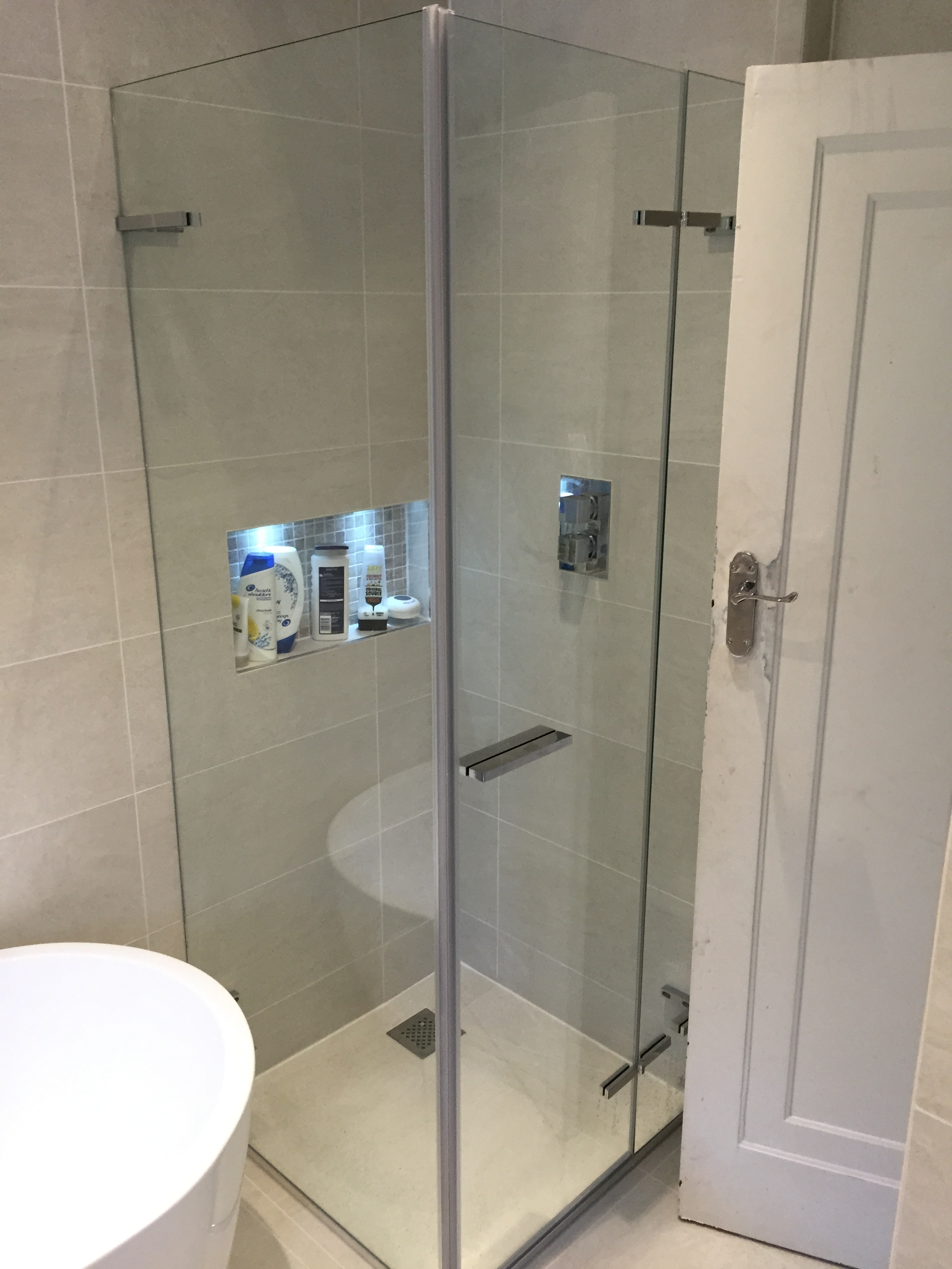 Ahmad bathroom cheshire kitchens and bathrooms for Bathrooms and kitchens